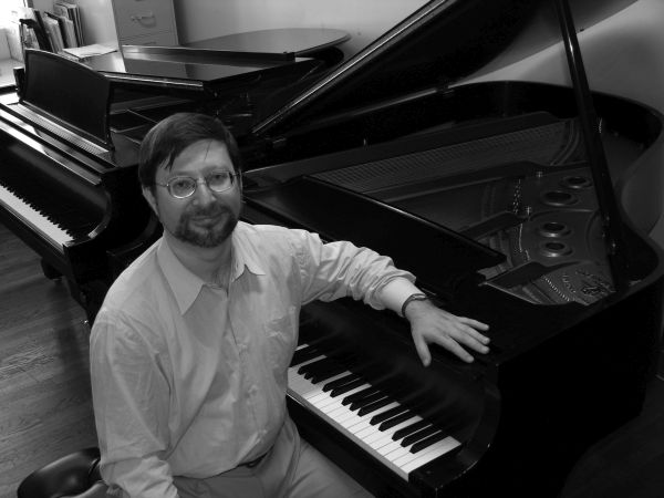 Alexander Tentser, piano